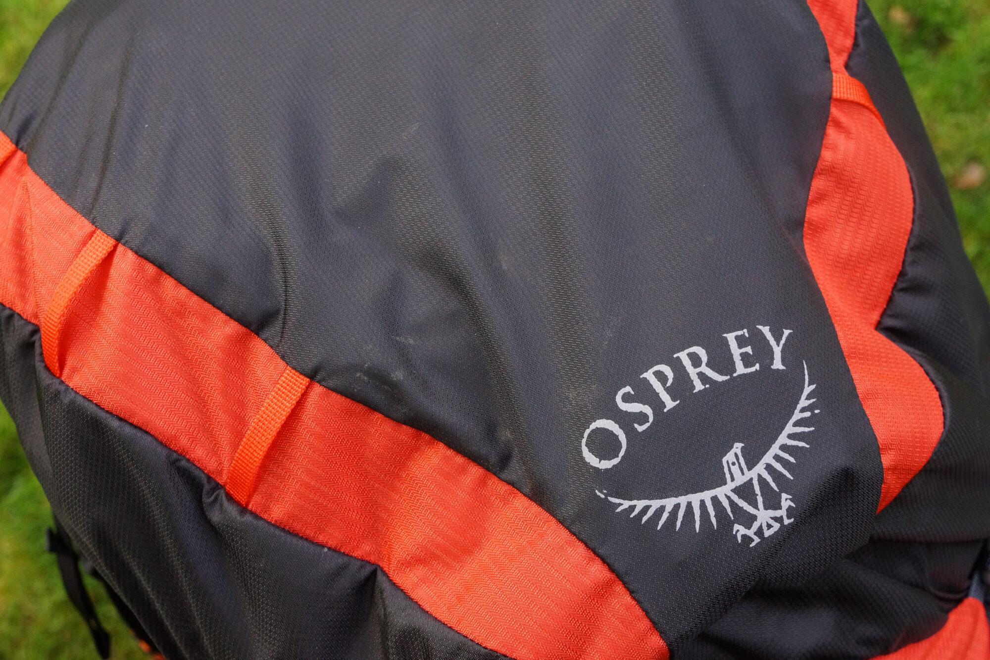 Review van de Osprey Exos 58 topvak