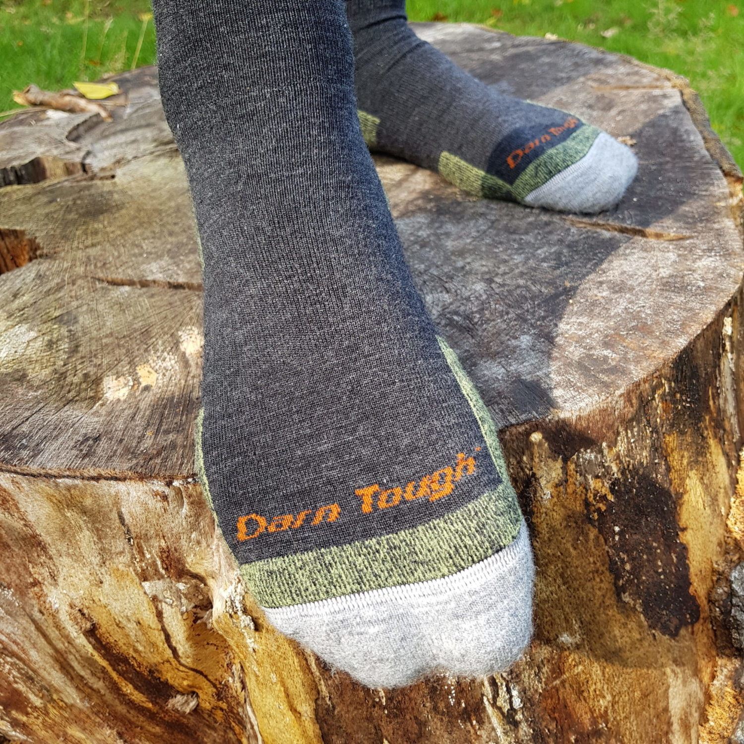 review darn tough hiker